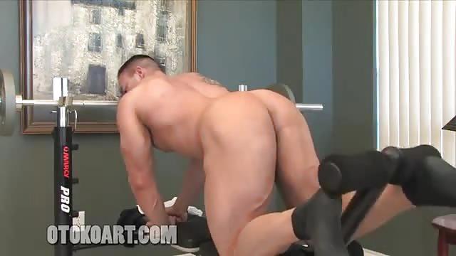 Mann zeigt seinen Schwanz