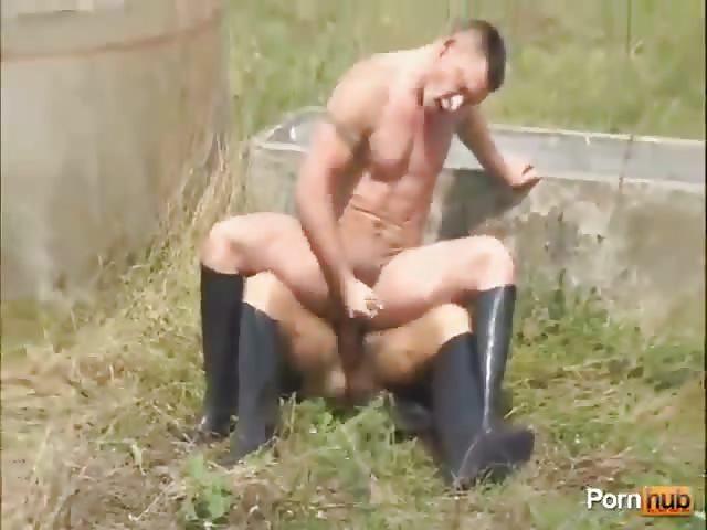 Couple fait sexe en plein air - ohpornovideocom