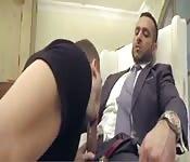 Une baise gay au bureau