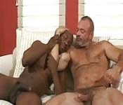 Madurito y su hijo negro favorito