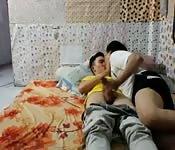 Minets asiatiques font du porno à la maison
