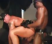Trepa interracial gostoso com policial
