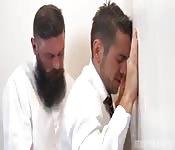 Gli uomini con la barba scopano bene