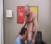Jeans-clad dude getting blown by his cute boyfriend