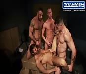 Sesso anale di gruppo