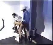 Sexo loco en salón privado