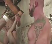Trois mecs tatoués sexy
