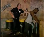 Von einem sexy Cop erwischt
