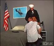 Marynarka wojenna vs. siły powietrzne