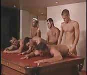 Six mecs dans orgie sexy