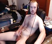 Cute white dude wanking alone for you