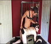 Punisce lo schiavo