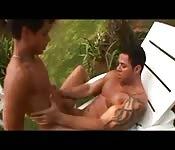 Un culturista se cepilla a pelo un culo brasileño