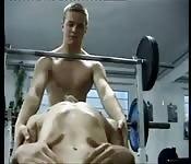 Fabulosa follada gay en el gimnasio