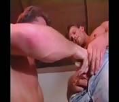 Novios vintage en un polvo anal profundo