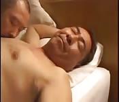 Un paparino giapponese e una mano