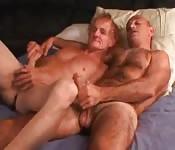 Homem mais velho recebe mais prazer do que imaginava