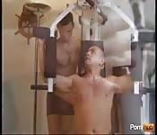 Порно в тренажерном зале