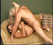 Blond mature dans sexe anal interracial