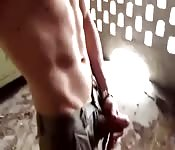 A skillful guy jerking off