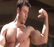 Gay porno bodybuilder