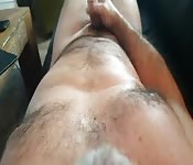 Hairy dude in solo wanking time