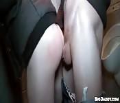 Papi fornido tapona su culo