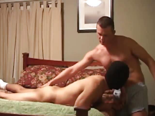 jeune beau gay nu sexe ras