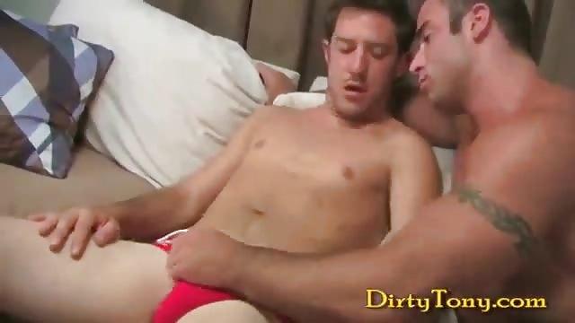 Beefy guy and yummy twink fucking