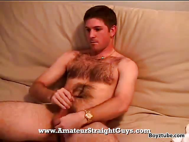 Yummy gay guy beating off