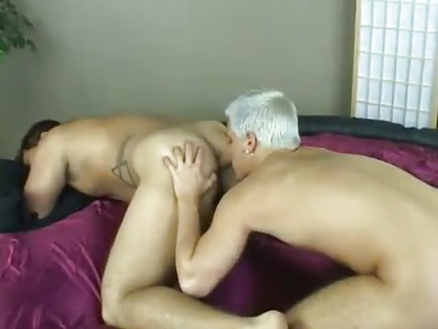 Blonde guy safely fucks his bf