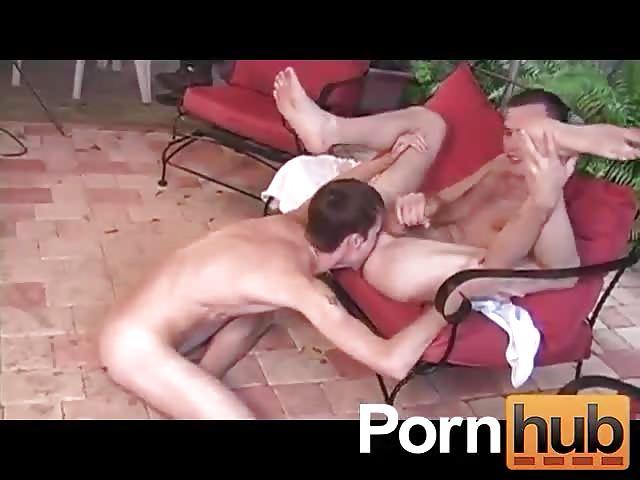 Bareback outdoor fuck