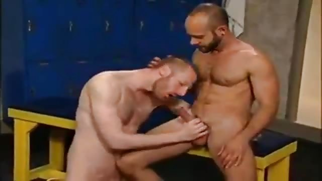 Bearded Gay Bear Gets Handjob