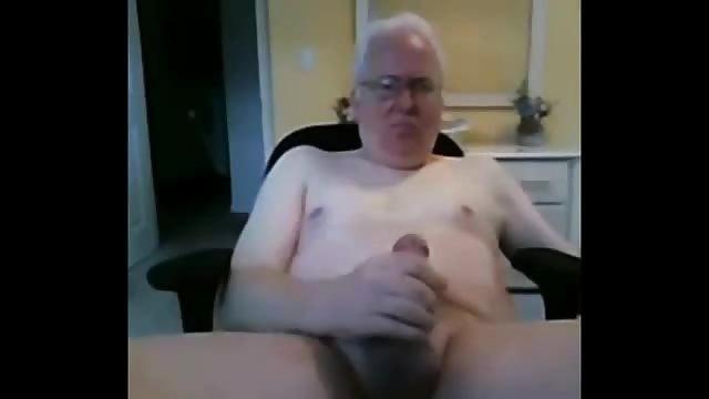 Alter Mann Spritzt Ab