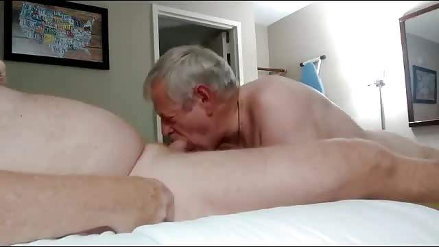 Tanned gay sucking dick mp4