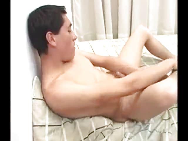Young Wet Teen Masturbates