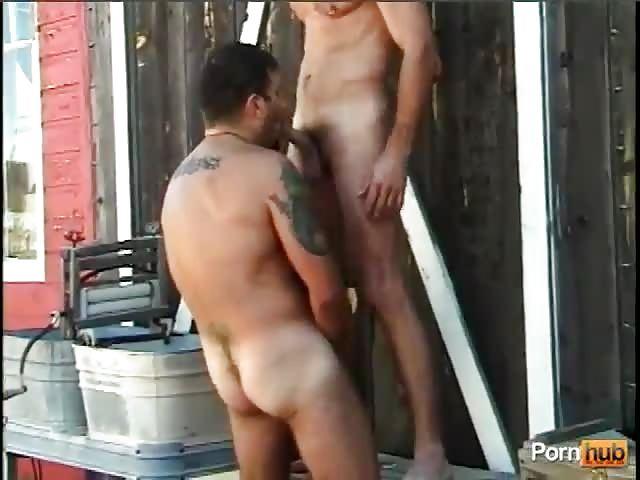 big Hot babe swallows glory hole DOY PUTITA