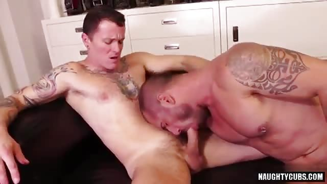 Bottom tommy defendi in threesome