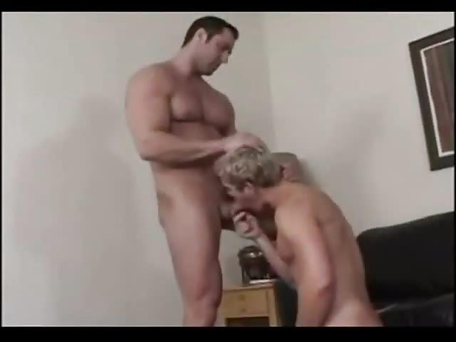 Body builder fucks blonde gay